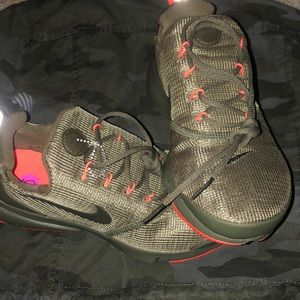 Nike's size 5- never worn.